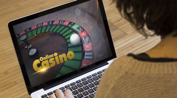how to play at an online casino.